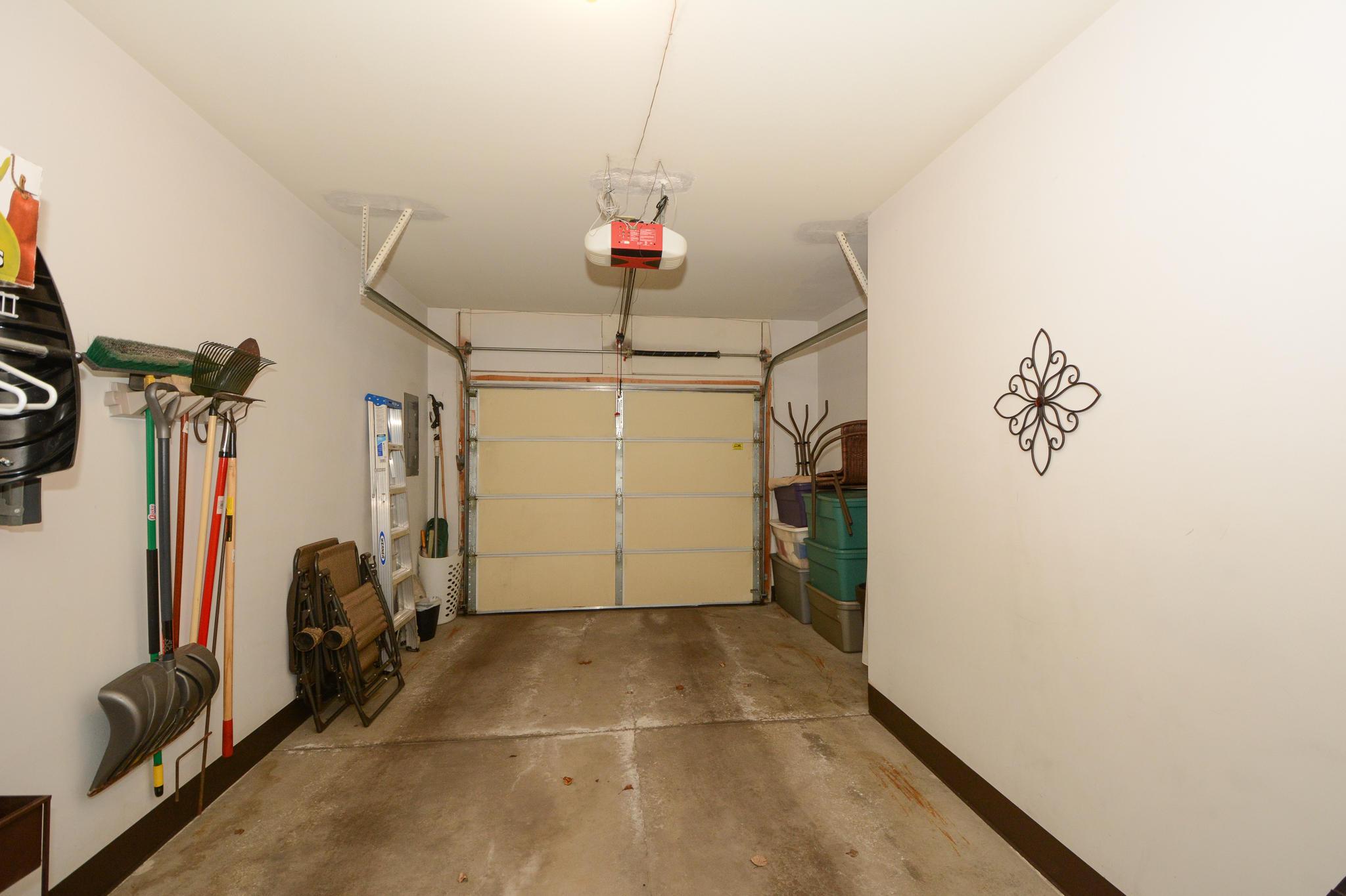 2425 Fox River Pkwy, Waukesha, Wisconsin 53189, 2 Bedrooms Bedrooms, ,1 BathroomBathrooms,Condominiums,For Sale,Fox River Pkwy,1,1683462