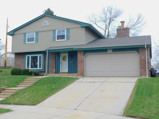 115 Swartz Ct, Waukesha, Wisconsin 53188, 4 Bedrooms Bedrooms, 8 Rooms Rooms,2 BathroomsBathrooms,Single-Family,For Sale,Swartz Ct,1683609