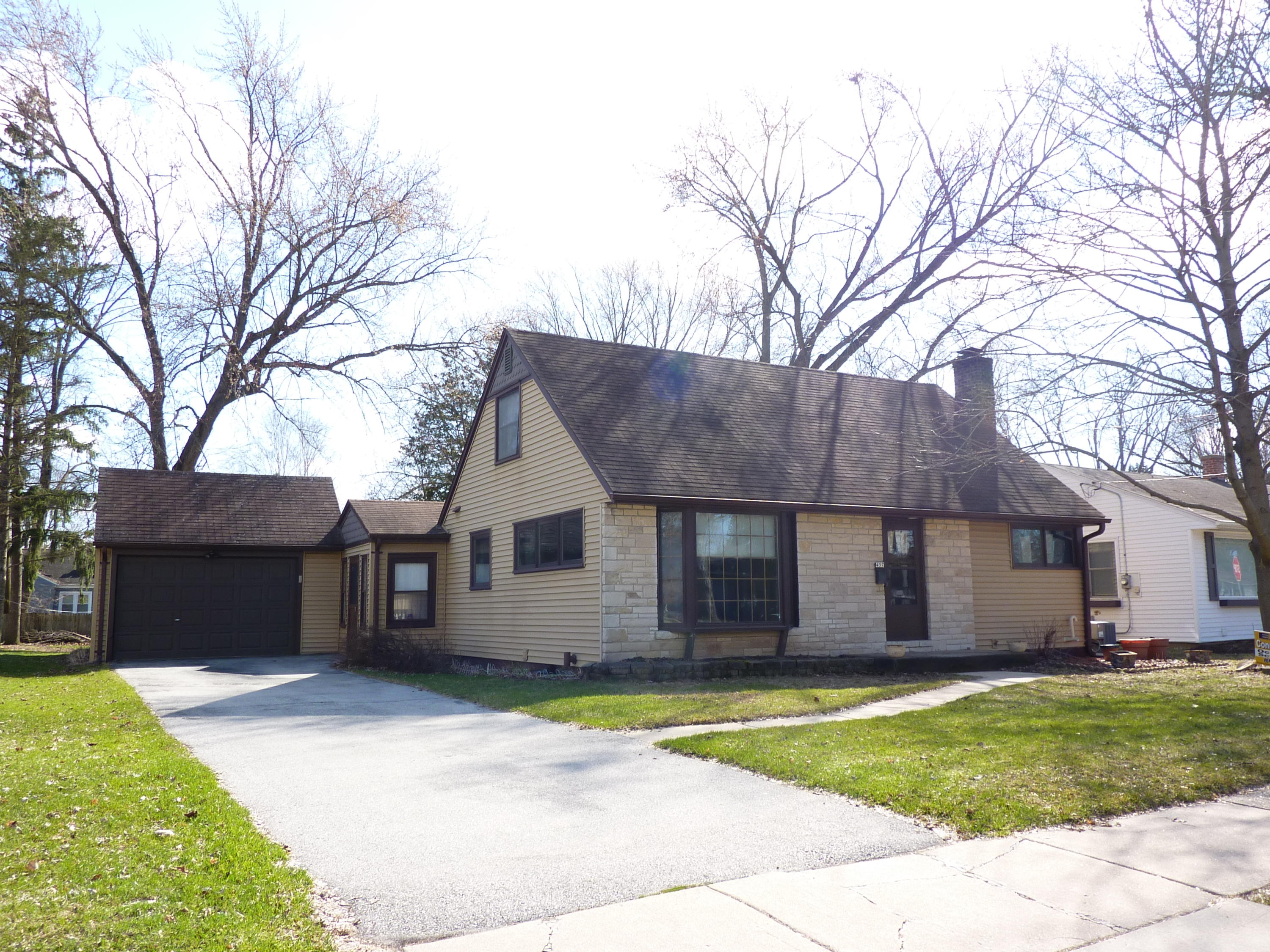 457 5th St, Oconomowoc, Wisconsin 53066, 4 Bedrooms Bedrooms, 6 Rooms Rooms,1 BathroomBathrooms,Single-Family,For Sale,5th St,1683557