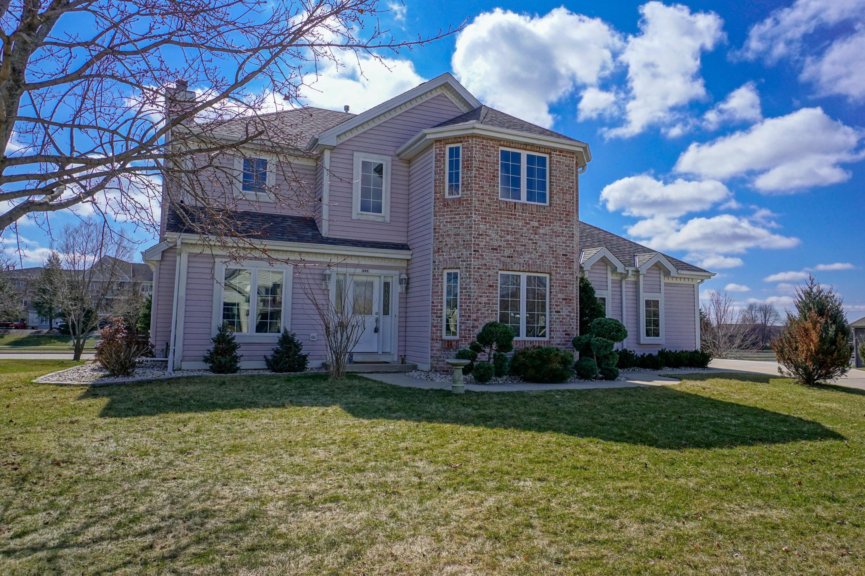 255 Lakeridge Dr, Oconomowoc, Wisconsin 53066, 3 Bedrooms Bedrooms, 9 Rooms Rooms,2 BathroomsBathrooms,Single-Family,For Sale,Lakeridge Dr,1683579