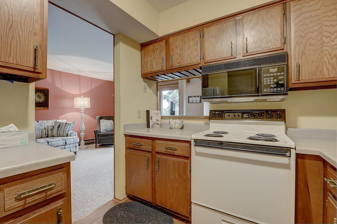 412 Sheffield St, Waukesha, Wisconsin 53186, 1 Bedroom Bedrooms, 4 Rooms Rooms,1 BathroomBathrooms,Condominiums,For Sale,Sheffield St,2,1683615