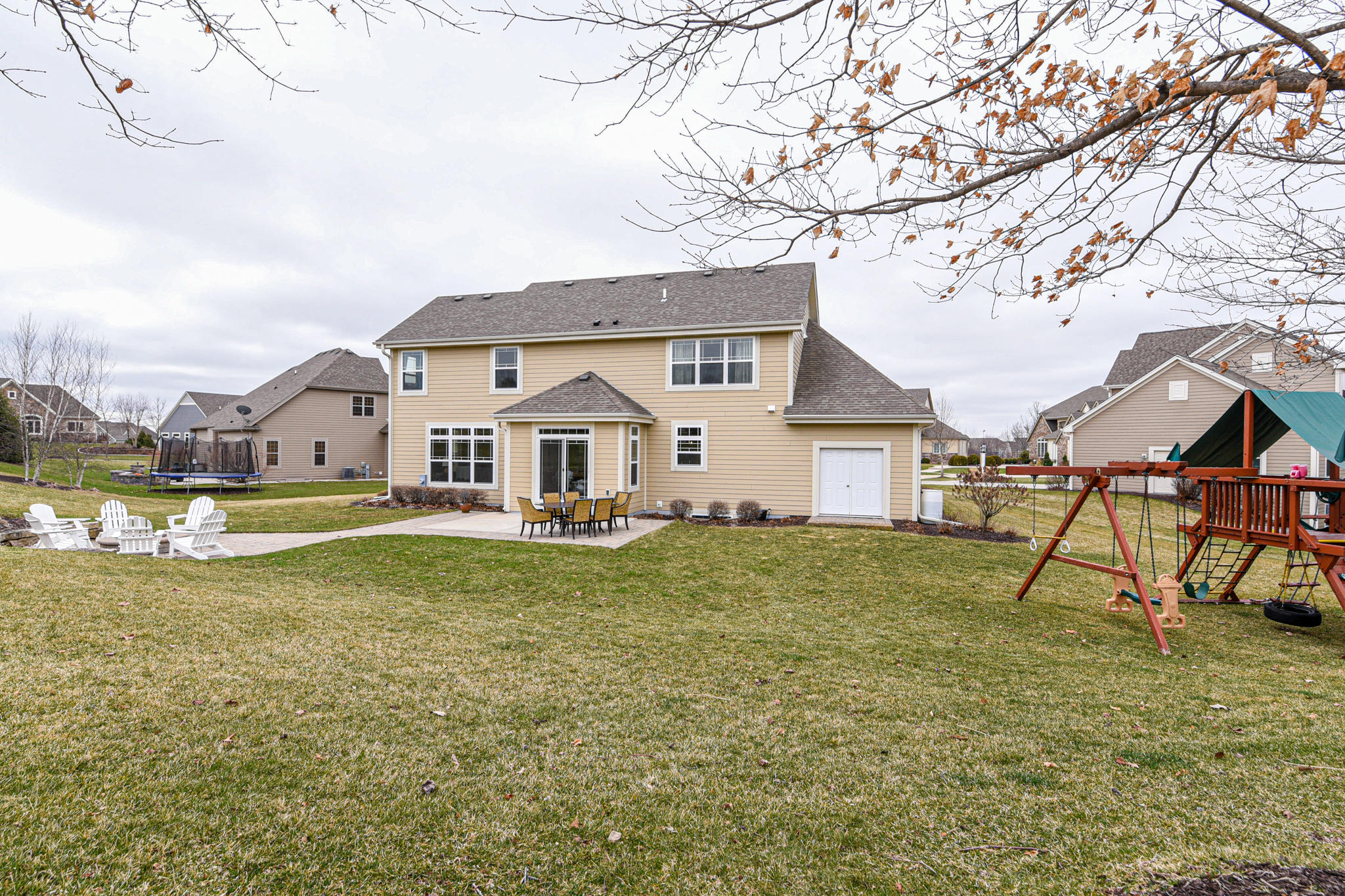 2807 Mohican Cir, Waukesha, Wisconsin 53189, 4 Bedrooms Bedrooms, 9 Rooms Rooms,3 BathroomsBathrooms,Single-Family,For Sale,Mohican Cir,1683610