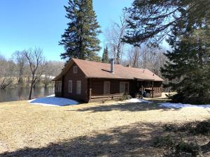 W14697 Camp 5 Rd, Silver Cliff, WI 54104