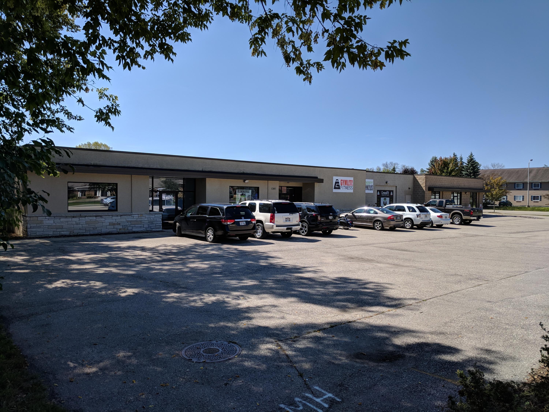 Photo of 1341 W Wisconsin Ave, Oconomowoc, WI 53066