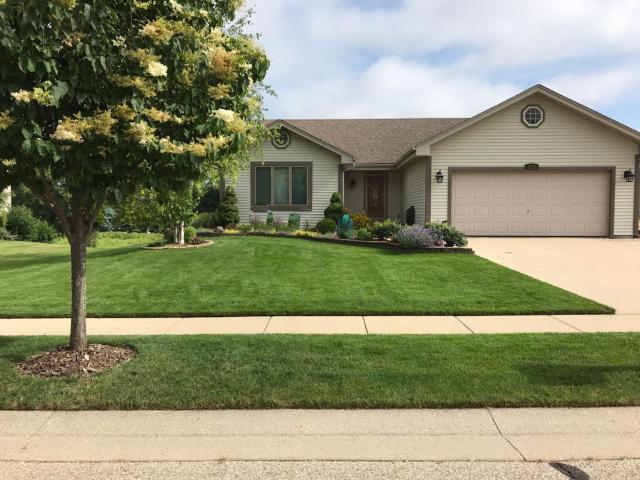 1280 Orchard Cir, Oconomowoc, Wisconsin 53066, 4 Bedrooms Bedrooms, 9 Rooms Rooms,3 BathroomsBathrooms,Single-Family,For Sale,Orchard Cir,1684513