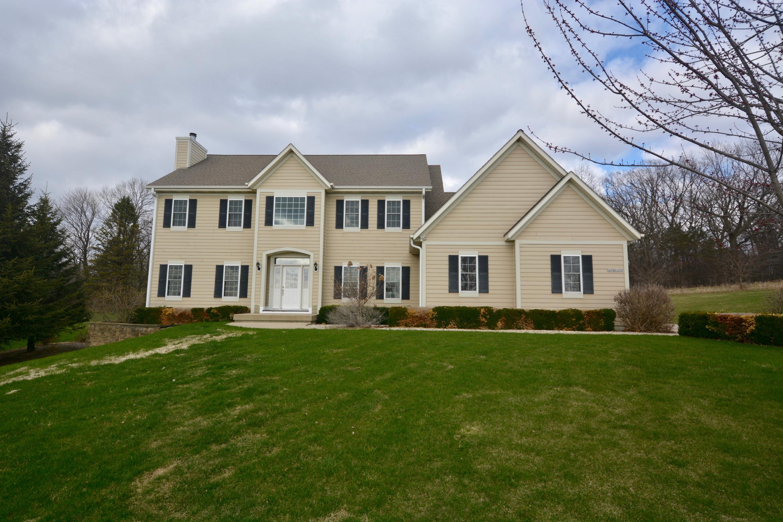 N67W34230 Jorgenson Ct, Oconomowoc, Wisconsin 53066, 4 Bedrooms Bedrooms, 8 Rooms Rooms,2 BathroomsBathrooms,Single-Family,For Sale,Jorgenson Ct,1685138