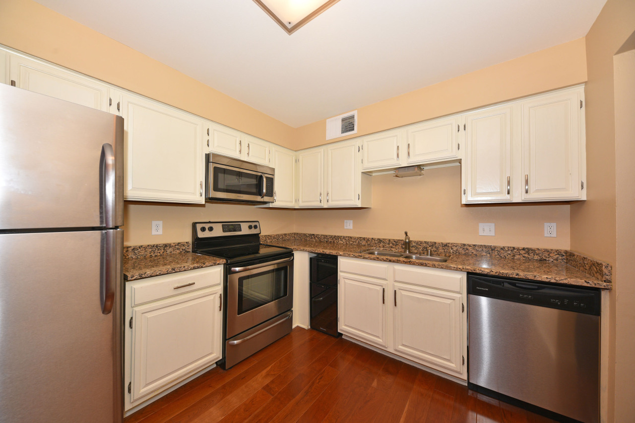 3942 N Oakland Ave #235