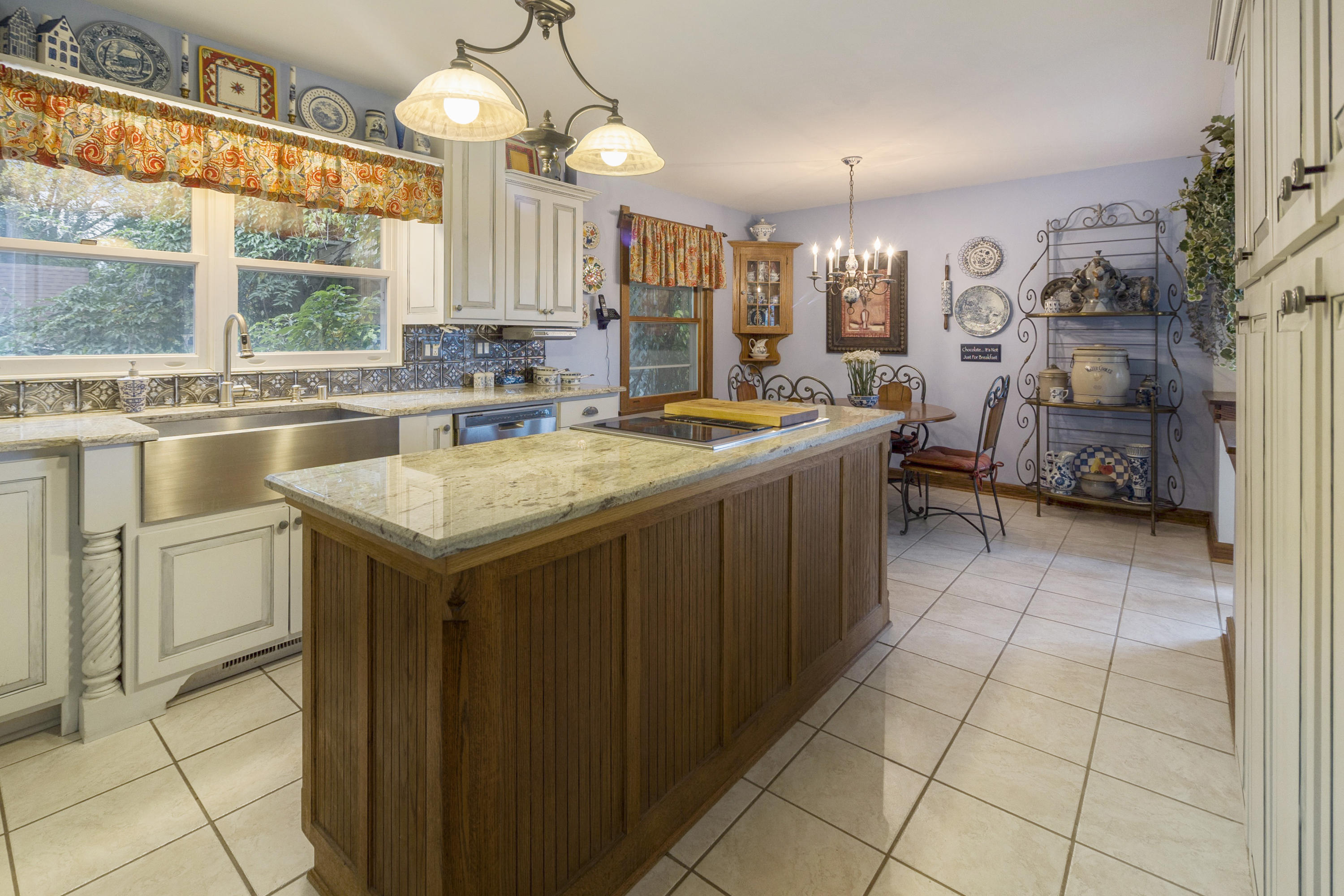 S43W27216 Country Ln, Waukesha, Wisconsin 53189, 3 Bedrooms Bedrooms, ,2 BathroomsBathrooms,Single-Family,For Sale,Country Ln,1685577