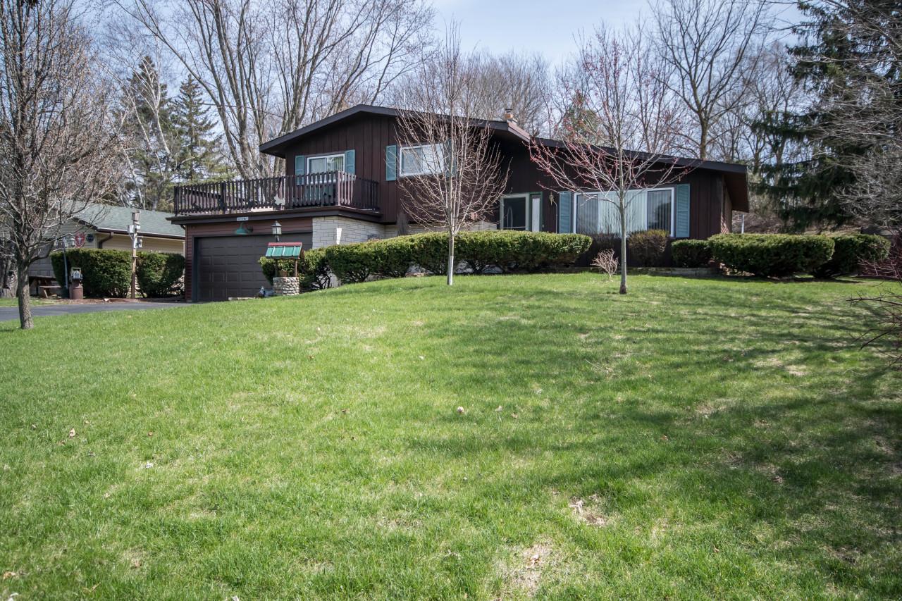 S24W22798 Morningside Dr, Waukesha, Wisconsin 53186, 4 Bedrooms Bedrooms, 8 Rooms Rooms,1 BathroomBathrooms,Single-Family,For Sale,Morningside Dr,1685602