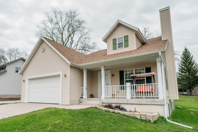 1912 Northview Rd, Waukesha, Wisconsin 53188, 4 Bedrooms Bedrooms, 11 Rooms Rooms,3 BathroomsBathrooms,Single-Family,For Sale,Northview Rd,1685870