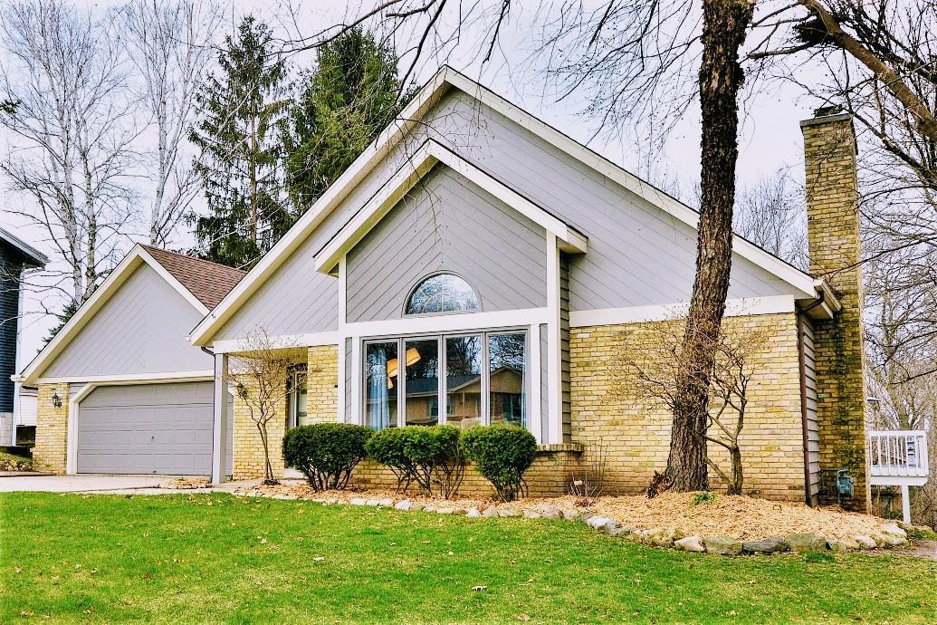 610 Grandview Blvd, Waukesha, Wisconsin 53188, 3 Bedrooms Bedrooms, ,3 BathroomsBathrooms,Single-Family,For Sale,Grandview Blvd,1686635