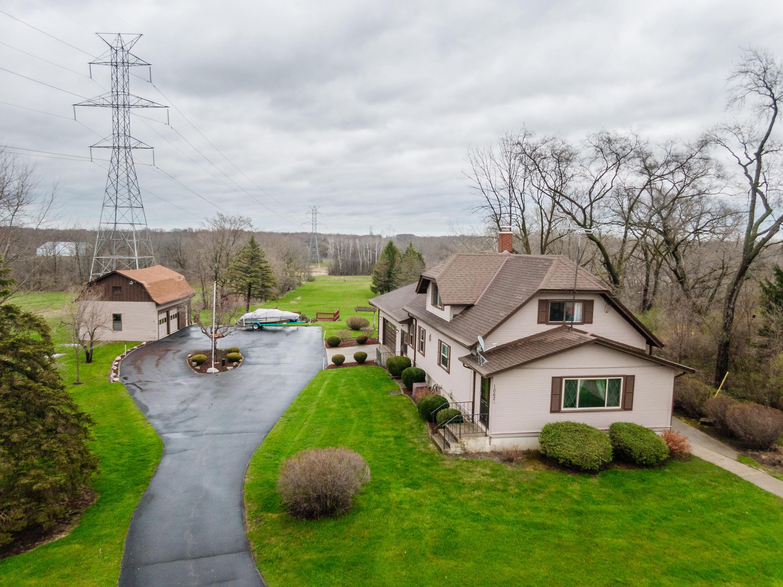 1062 Waukesha Rd, Raymond, Wisconsin 53108, 3 Bedrooms Bedrooms, 7 Rooms Rooms,1 BathroomBathrooms,Single-Family,For Sale,Waukesha Rd,1686821