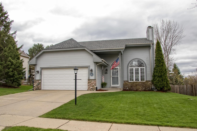 1239 Thrush Ln, Waukesha, Wisconsin 53189, 3 Bedrooms Bedrooms, ,2 BathroomsBathrooms,Single-Family,For Sale,Thrush Ln,1686863