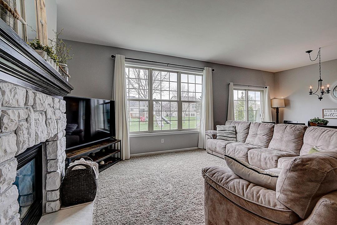 3523 Stillwater Cir, Waukesha, Wisconsin 53189, 5 Bedrooms Bedrooms, 8 Rooms Rooms,2 BathroomsBathrooms,Single-Family,For Sale,Stillwater Cir,1687065
