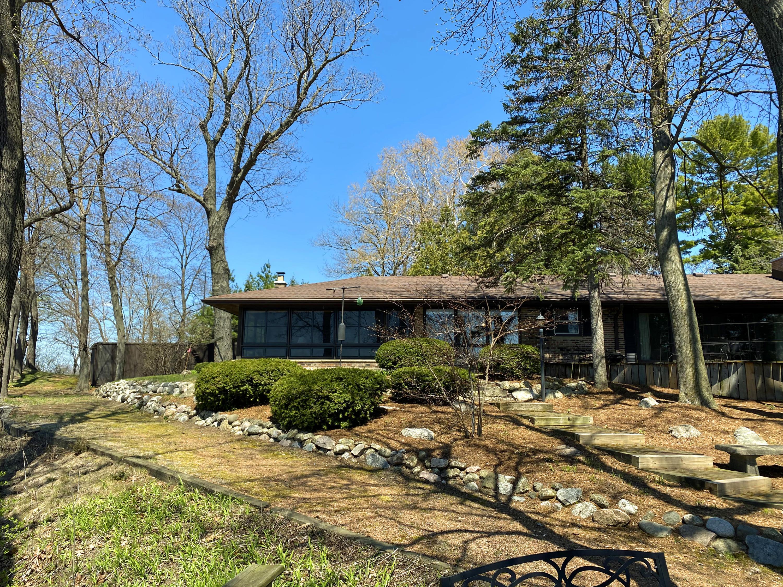 N57W38485 Beggs Isle Dr, Oconomowoc, Wisconsin 53066, 4 Bedrooms Bedrooms, 11 Rooms Rooms,2 BathroomsBathrooms,Single-Family,For Sale,Beggs Isle Dr,1687353