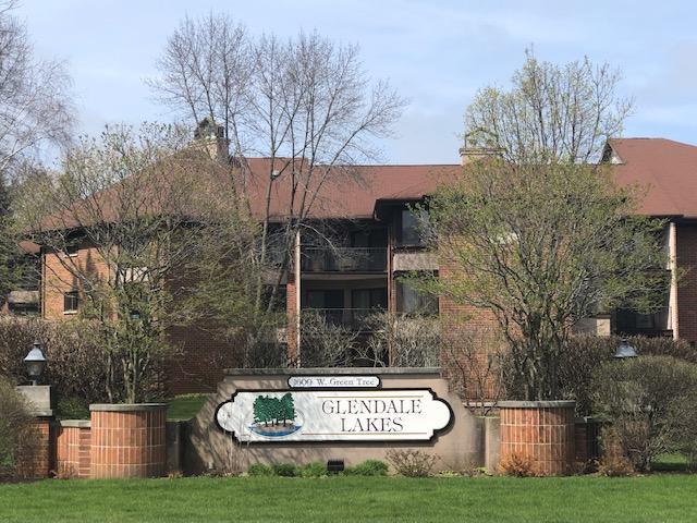 1600 Green Tree Rd, Glendale, Wisconsin 53209, 2 Bedrooms Bedrooms, ,2 BathroomsBathrooms,Condominiums,For Sale,Green Tree Rd,1,1687419