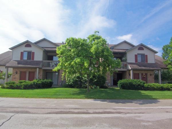 W194S7823 Overlook Bay Rd, Muskego, Wisconsin 53150, 2 Bedrooms Bedrooms, ,2 BathroomsBathrooms,Condominiums,For Sale,Overlook Bay Rd,2,1687401
