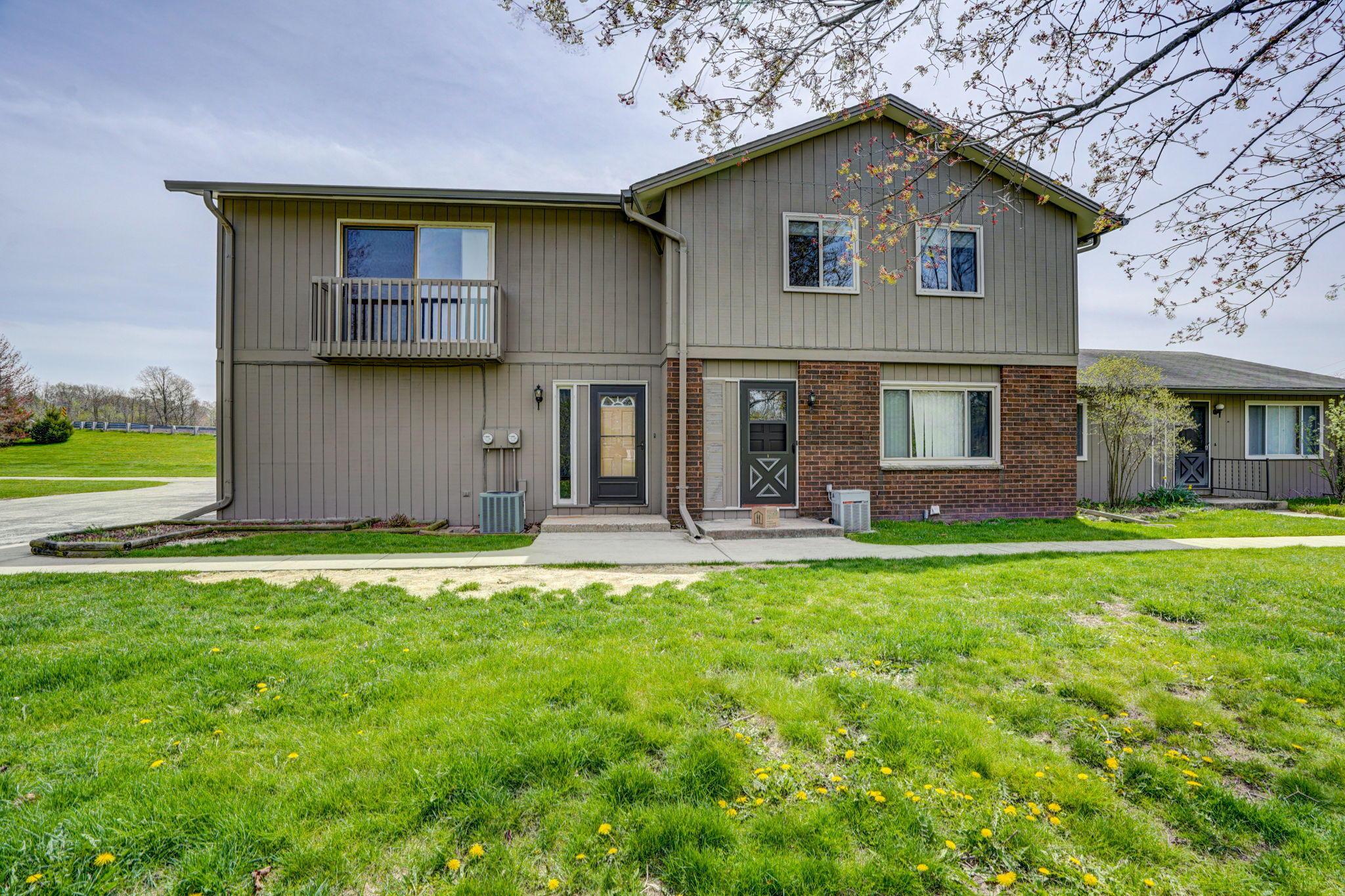 W1104 Miramar Rd, East Troy, Wisconsin 53120, 2 Bedrooms Bedrooms, ,1 BathroomBathrooms,Condominiums,For Sale,Miramar Rd,2,1687435