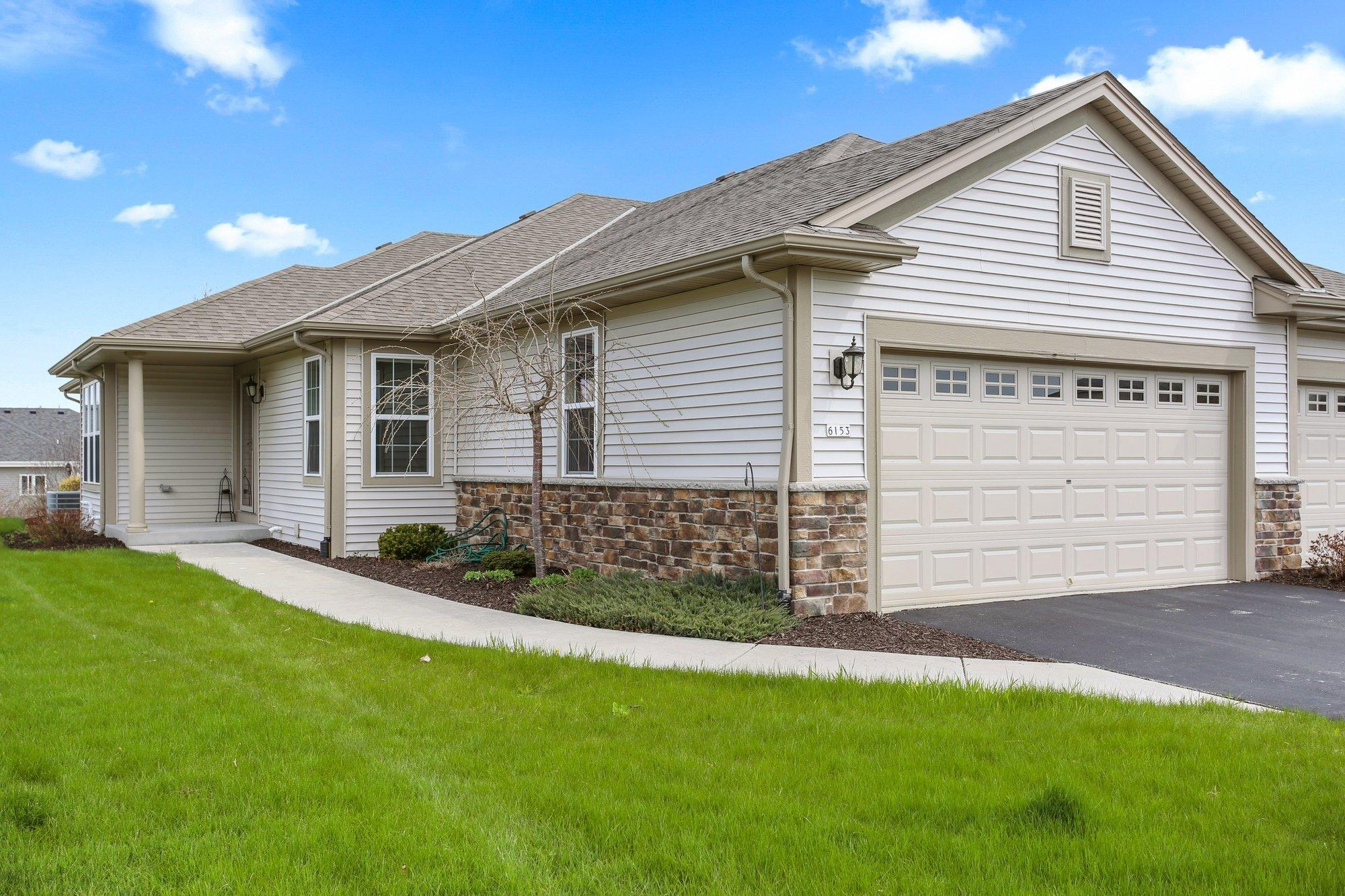 6153 Prairie Cir, Caledonia, Wisconsin 53406, 2 Bedrooms Bedrooms, 5 Rooms Rooms,2 BathroomsBathrooms,Condominiums,For Sale,Prairie Cir,1,1687514