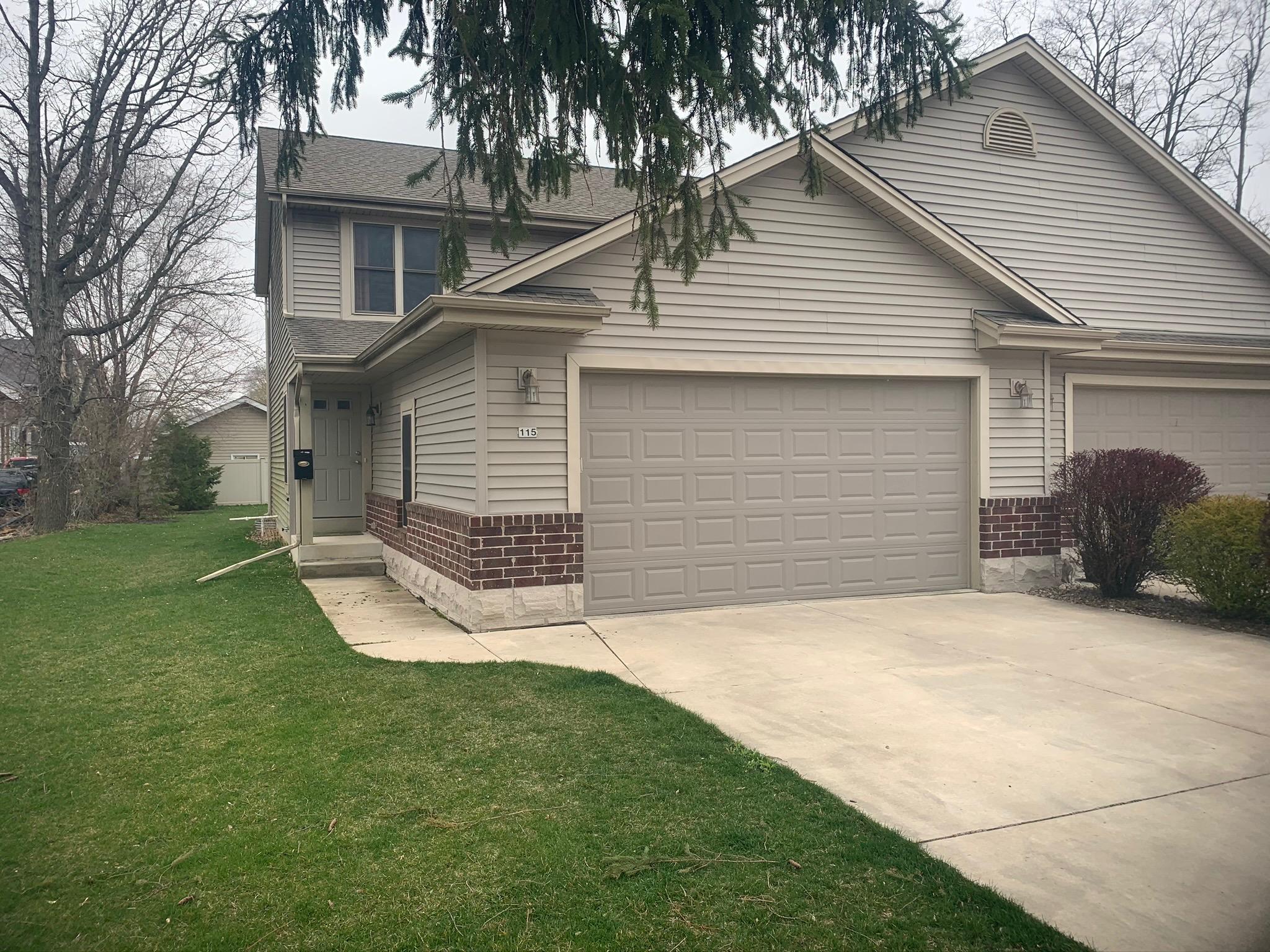 115 3rd St, Waterford, Wisconsin 53185, 3 Bedrooms Bedrooms, 5 Rooms Rooms,2 BathroomsBathrooms,Condominiums,For Sale,3rd St,1,1687542