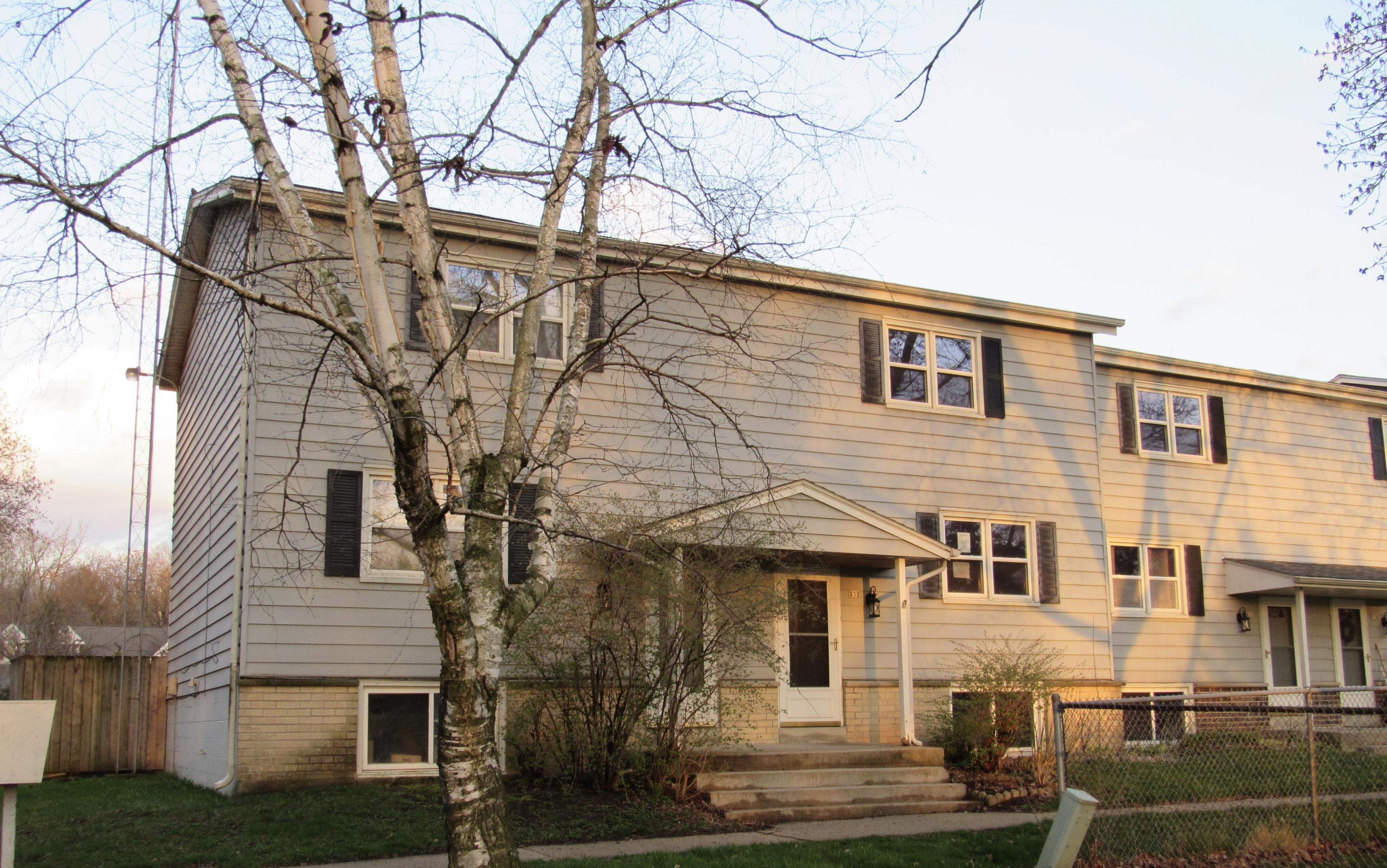 232 Wolf Dr., Dousman, Wisconsin 53118, 3 Bedrooms Bedrooms, 6 Rooms Rooms,1 BathroomBathrooms,Condominiums,For Sale,Wolf Dr.,1,1687578