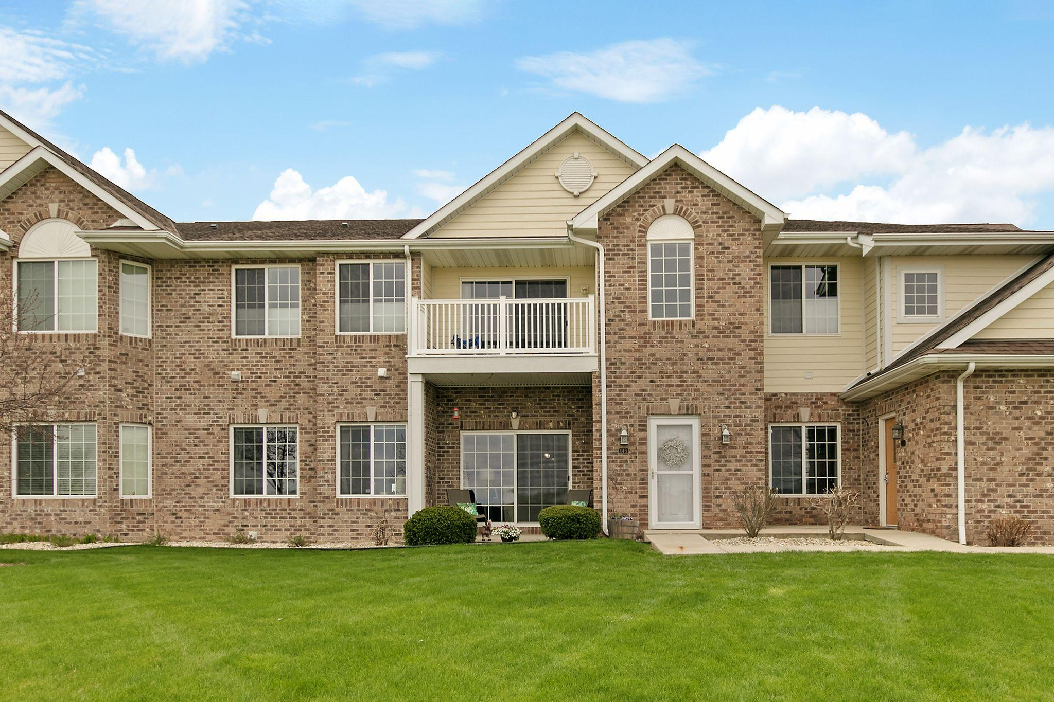 9219 66th Ave, Pleasant Prairie, Wisconsin 53158, 2 Bedrooms Bedrooms, 8 Rooms Rooms,3 BathroomsBathrooms,Condominiums,For Sale,66th Ave,1,1687582