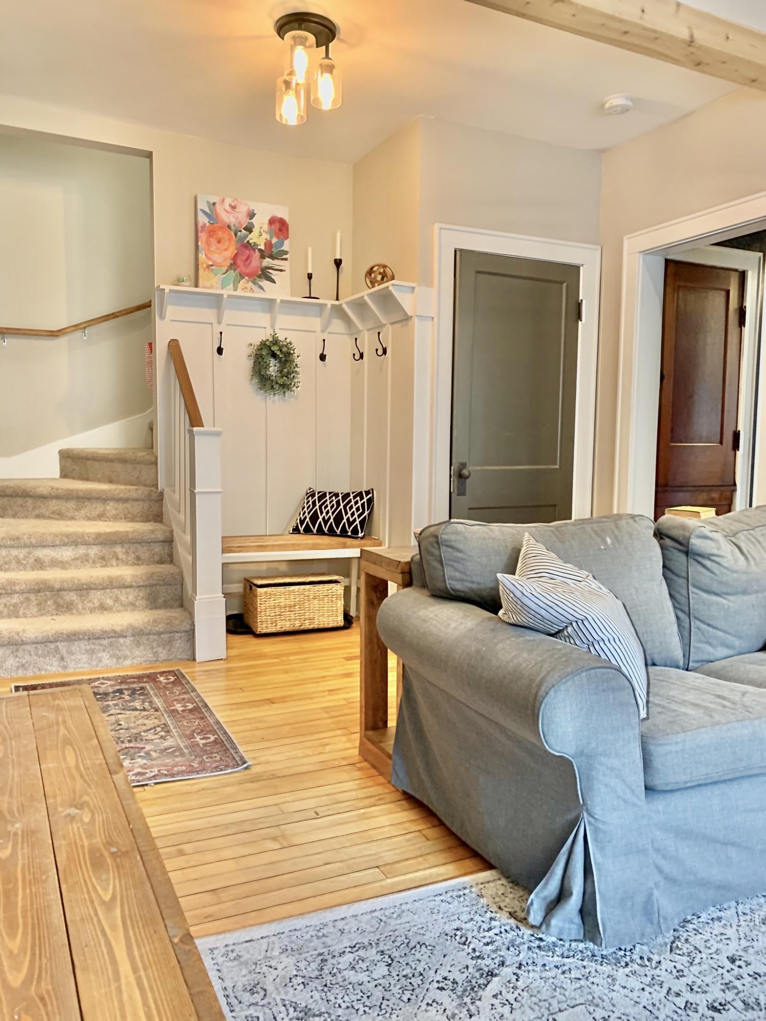 543 Oakwood Ave, Oconomowoc, Wisconsin 53066, 3 Bedrooms Bedrooms, ,2 BathroomsBathrooms,Single-Family,For Sale,Oakwood Ave,1687844