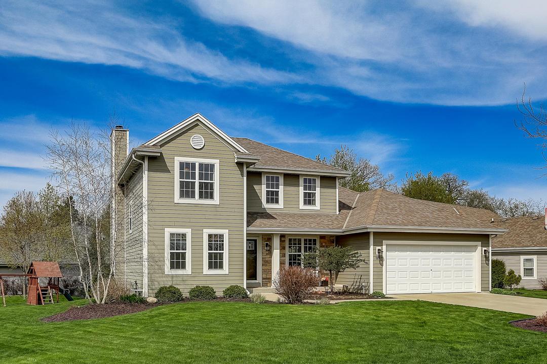1230 Goldfinch Way, Oconomowoc, Wisconsin 53066, 5 Bedrooms Bedrooms, ,3 BathroomsBathrooms,Single-Family,For Sale,Goldfinch Way,1688103