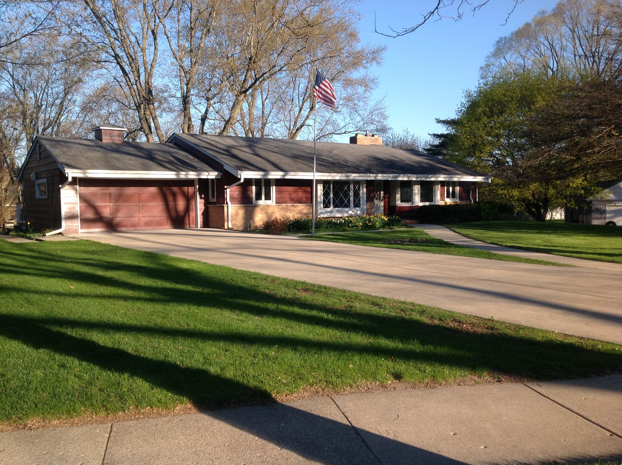 202 Westminster Dr, Waukesha, Wisconsin 53186, 5 Bedrooms Bedrooms, 10 Rooms Rooms,2 BathroomsBathrooms,Single-Family,For Sale,Westminster Dr,1688110