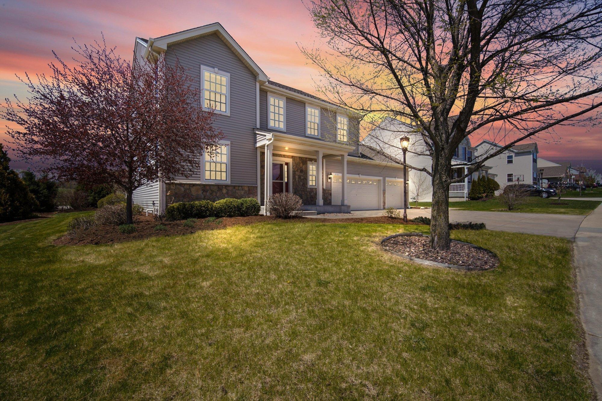 1520 Rockridge Way, Waukesha, Wisconsin 53188, 4 Bedrooms Bedrooms, 9 Rooms Rooms,2 BathroomsBathrooms,Single-Family,For Sale,Rockridge Way,1689051