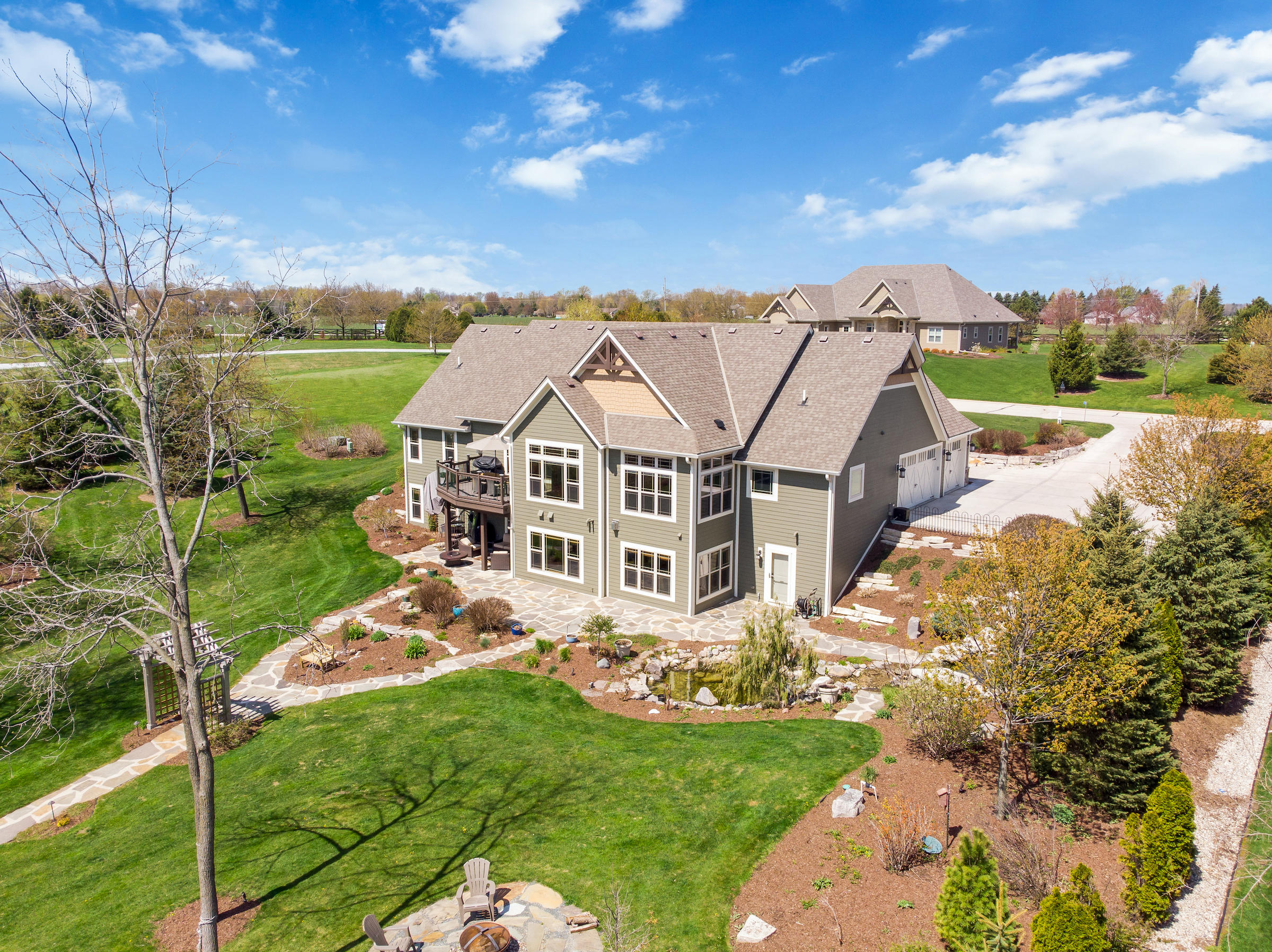 W346N6720 Shoreview Ct, Oconomowoc, Wisconsin 53066, 4 Bedrooms Bedrooms, 15 Rooms Rooms,3 BathroomsBathrooms,Single-Family,For Sale,Shoreview Ct,1688068