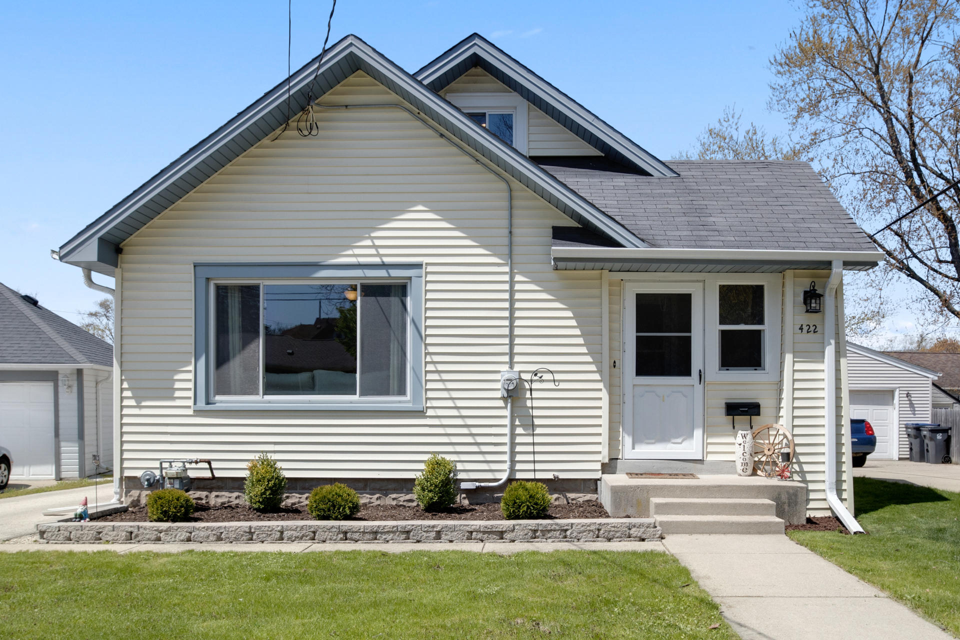 422 Hine Ave, Waukesha, Wisconsin 53188, 3 Bedrooms Bedrooms, 6 Rooms Rooms,1 BathroomBathrooms,Single-Family,For Sale,Hine Ave,1688857