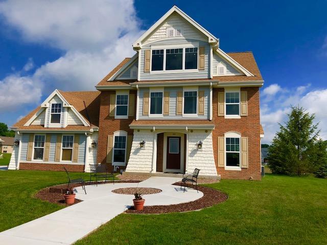 562 Firefly Trl Hartford, WI 53027 Property Image