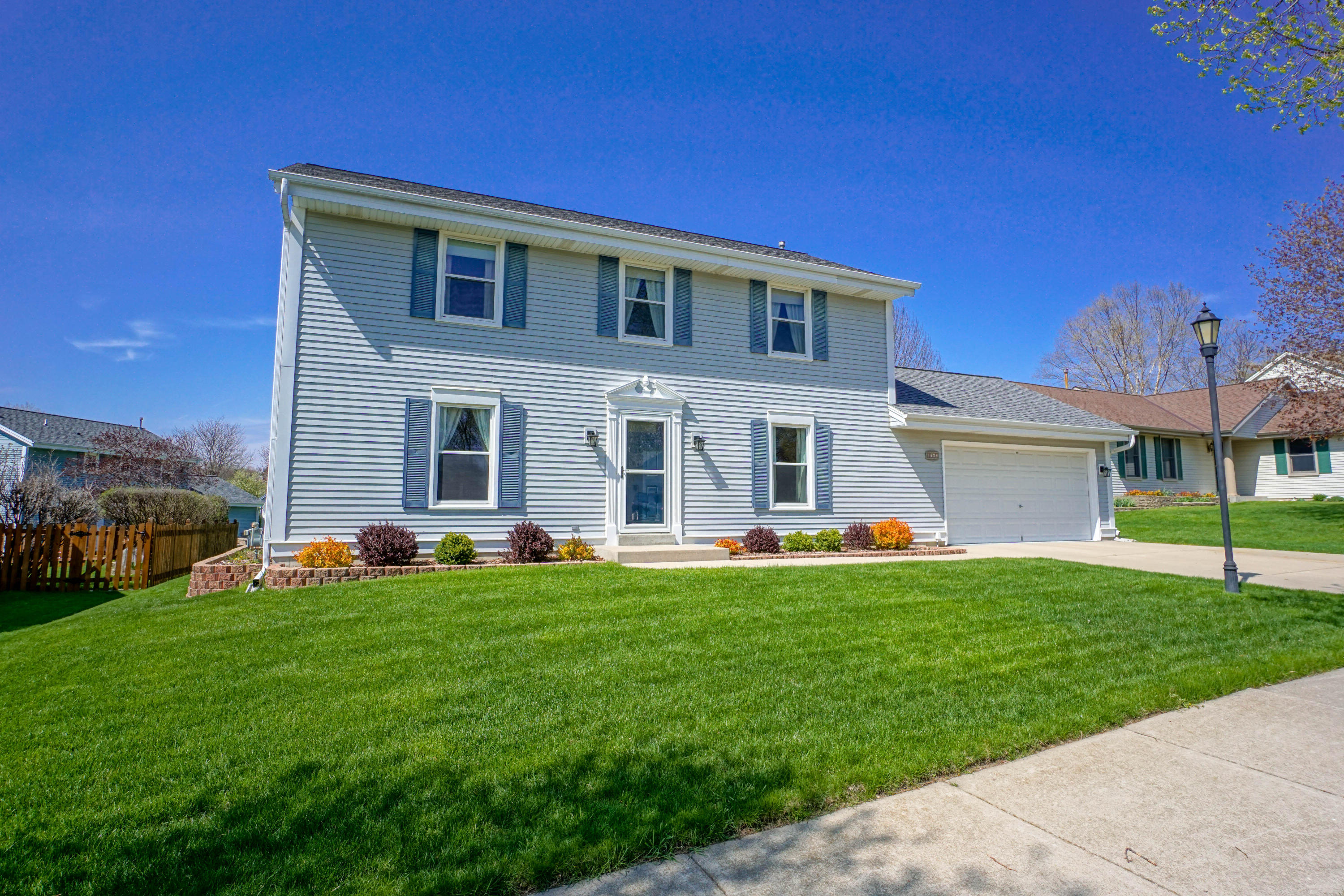 2762 Brighton Dr, Waukesha, Wisconsin 53188, 3 Bedrooms Bedrooms, 6 Rooms Rooms,1 BathroomBathrooms,Single-Family,For Sale,Brighton Dr,1689020