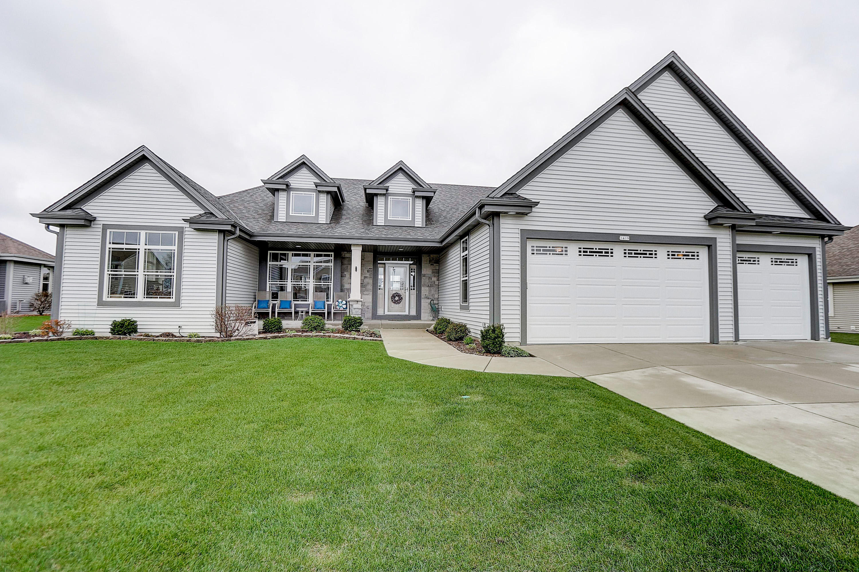 1419 Mamerow Ln W, Oconomowoc, Wisconsin 53066, 3 Bedrooms Bedrooms, 7 Rooms Rooms,2 BathroomsBathrooms,Single-Family,For Sale,Mamerow Ln W,1689207