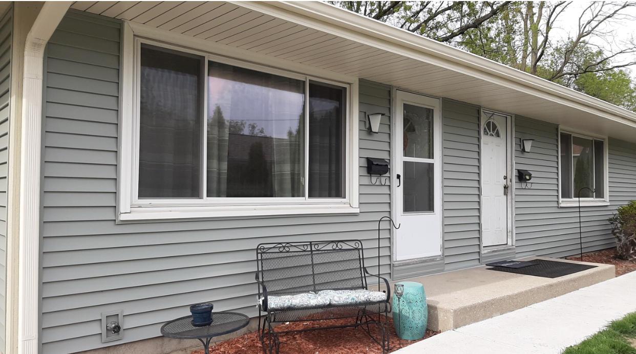 133 Hartman Pl, Waukesha, Wisconsin 53186, 3 Bedrooms Bedrooms, 6 Rooms Rooms,1 BathroomBathrooms,Two-Family,For Sale,Hartman Pl,1,1689329