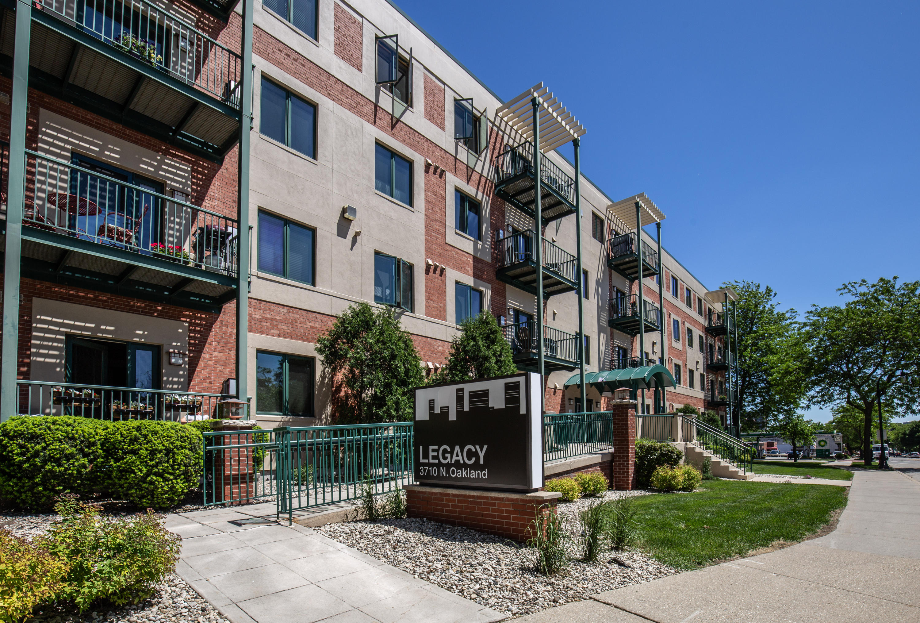 3710 N Oakland Ave #308