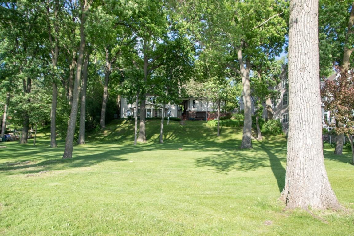 3407 Lake Dr, Delafield, Wisconsin 53029, 4 Bedrooms Bedrooms, 8 Rooms Rooms,3 BathroomsBathrooms,Single-Family,For Sale,Lake Dr,1690373