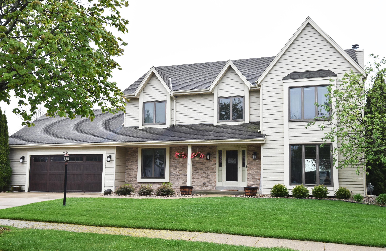 2935 Willard Ln, Waukesha, Wisconsin 53188, 3 Bedrooms Bedrooms, 11 Rooms Rooms,2 BathroomsBathrooms,Single-Family,For Sale,Willard Ln,1689615