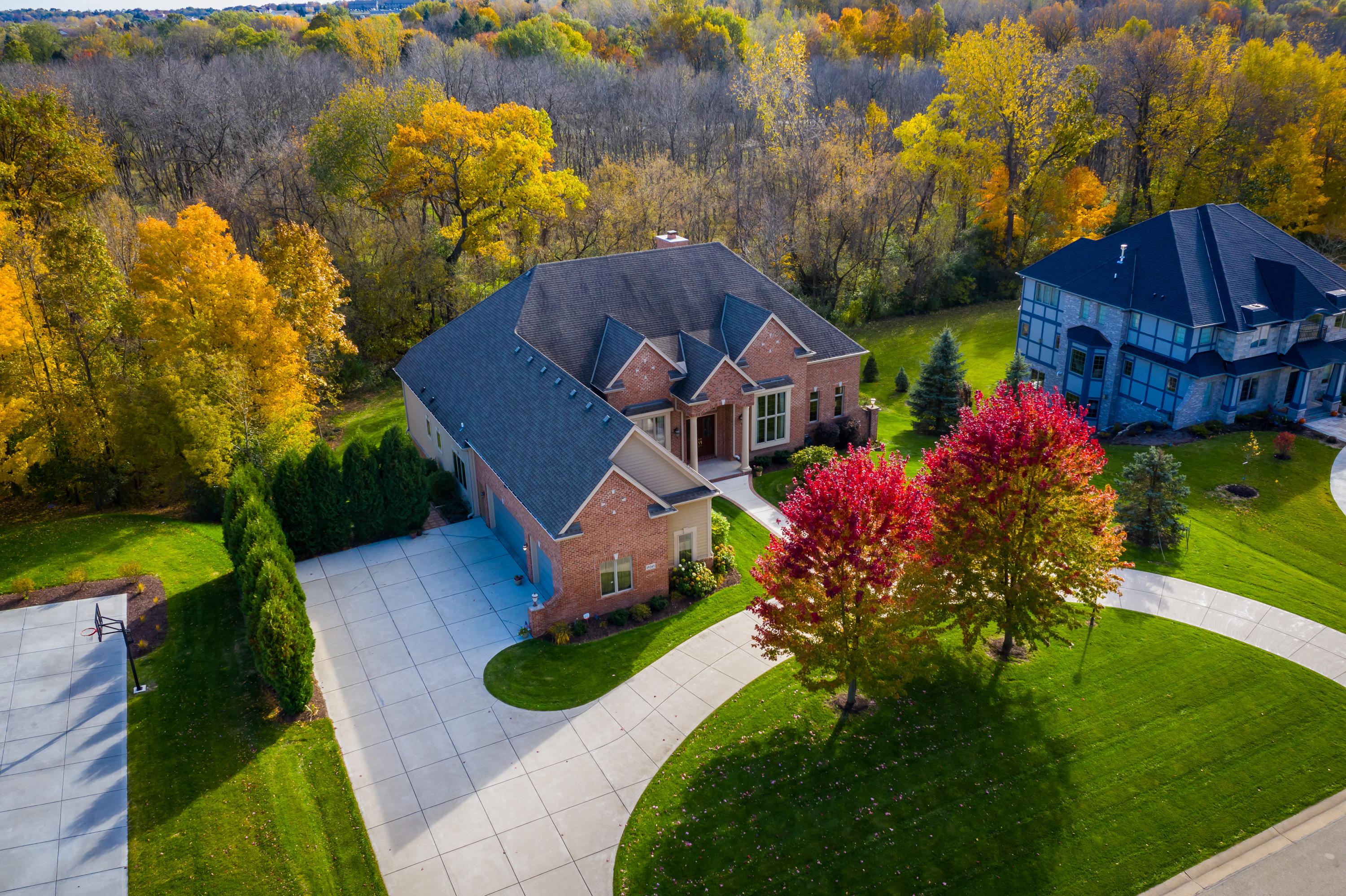 Photo of 19245 Rivendell Dr, Brookfield, WI 53045