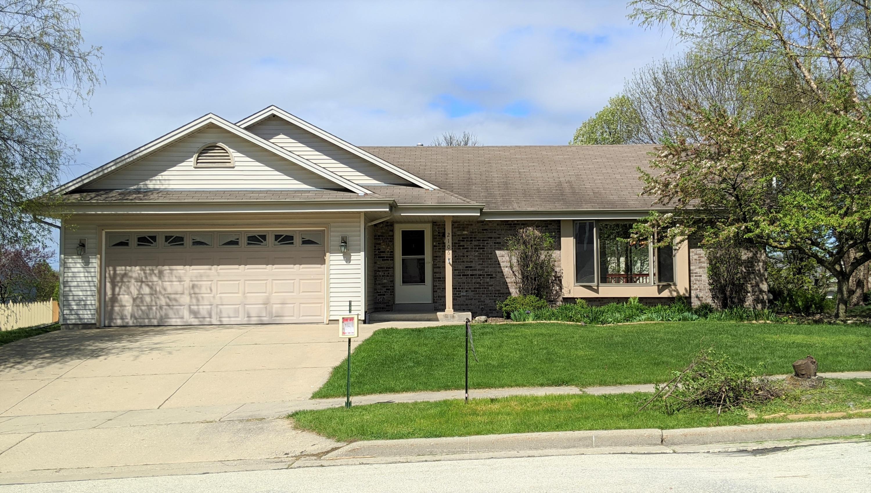 2106 Hudson Way, Waukesha, Wisconsin 53186, 3 Bedrooms Bedrooms, 5 Rooms Rooms,3 BathroomsBathrooms,Single-Family,For Sale,Hudson Way,1689679