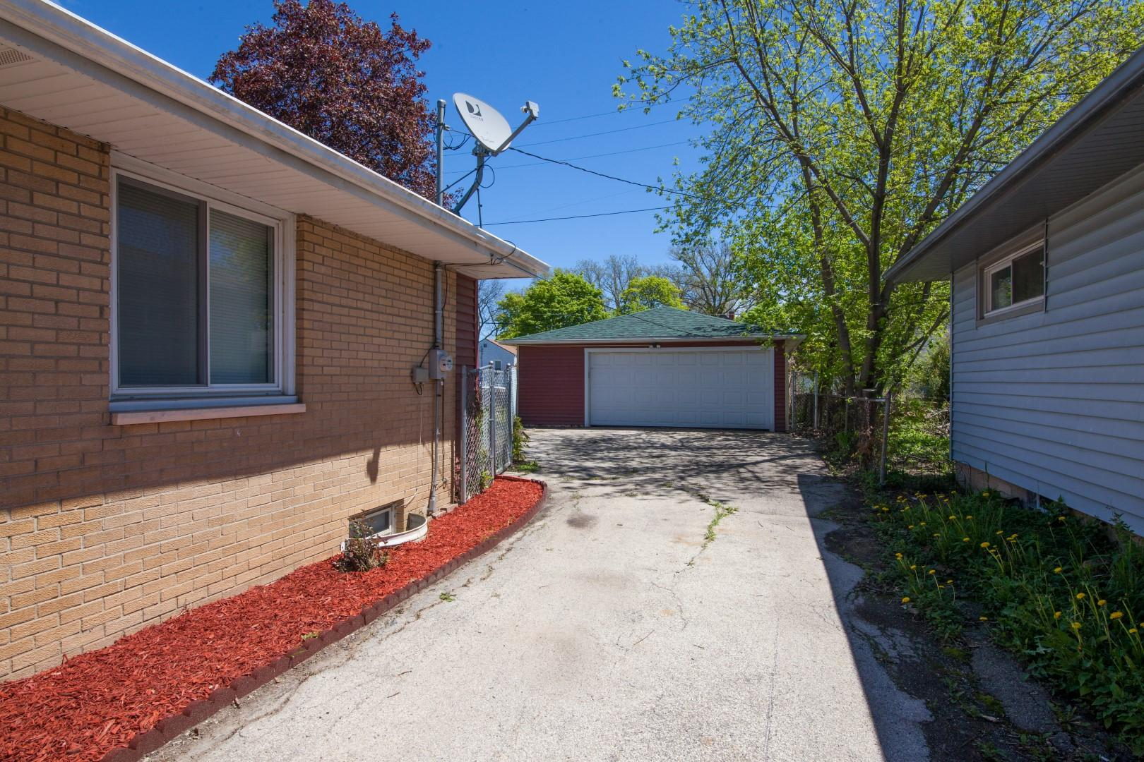 4850 45th St, Milwaukee, Wisconsin 53218, 3 Bedrooms Bedrooms, 5 Rooms Rooms,1 BathroomBathrooms,Single-Family,For Sale,45th St,1690393