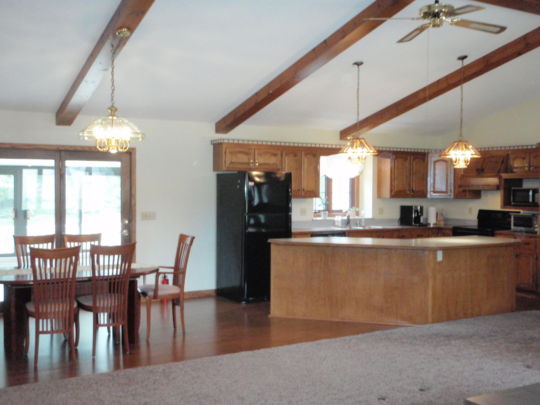N97W16799 Navajo Dr, Germantown, Wisconsin 53022, 3 Bedrooms Bedrooms, ,2 BathroomsBathrooms,Single-Family,For Sale,Navajo Dr,1690349