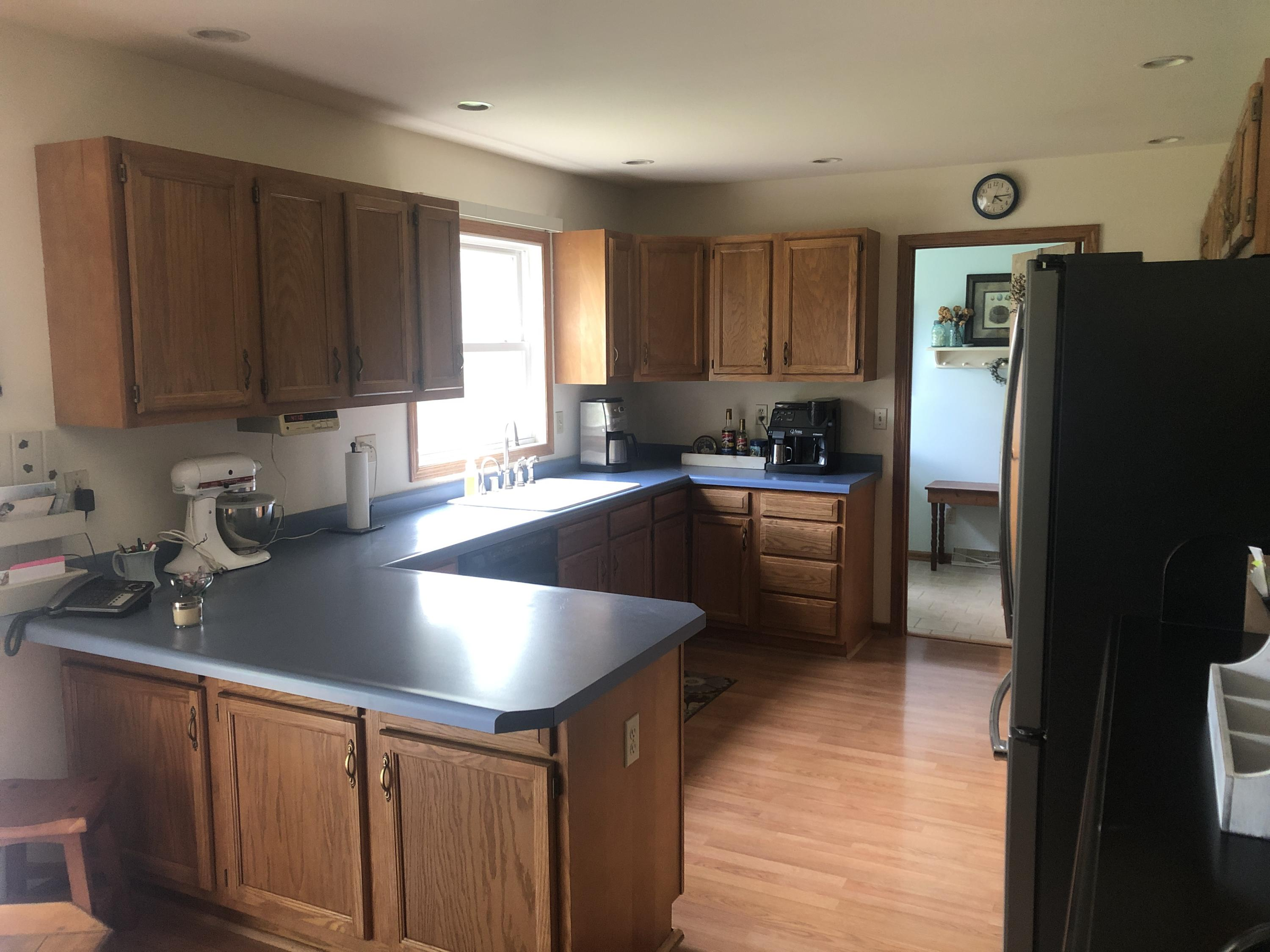 9103 Meadow Park Ln, Caledonia, Wisconsin 53126, 3 Bedrooms Bedrooms, ,1 BathroomBathrooms,Single-Family,For Sale,Meadow Park Ln,1690361