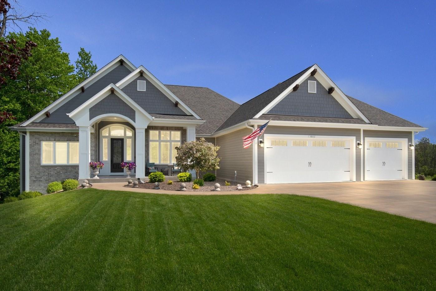 18000 Peregrine Ln, Brookfield, Wisconsin 53045, 5 Bedrooms Bedrooms, ,3 BathroomsBathrooms,Single-Family,For Sale,Peregrine Ln,1691073