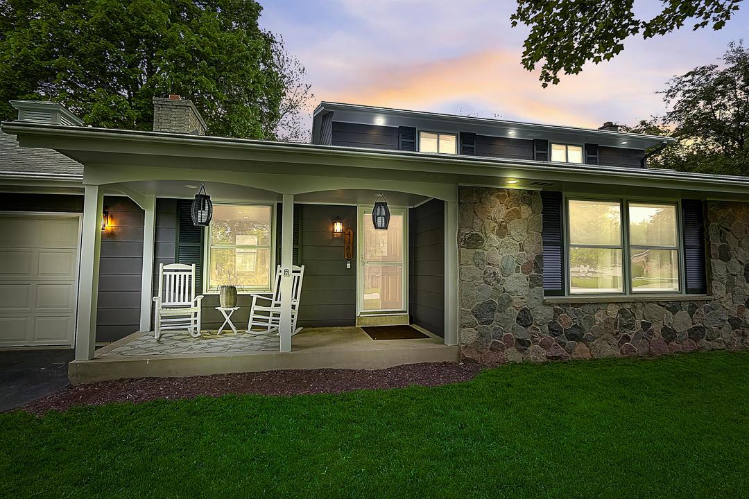 4140 Bexley Dr, Brookfield, Wisconsin 53045, 4 Bedrooms Bedrooms, 10 Rooms Rooms,3 BathroomsBathrooms,Single-Family,For Sale,Bexley Dr,1691206