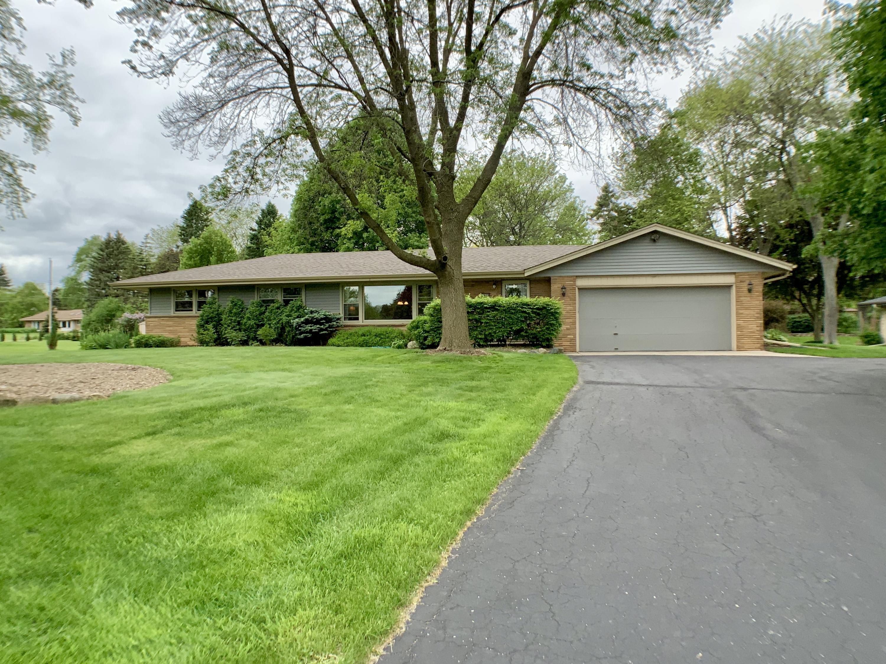 2615 Arbor Dr, Brookfield, Wisconsin 53005, 3 Bedrooms Bedrooms, ,1 BathroomBathrooms,Single-Family,For Sale,Arbor Dr,1691288