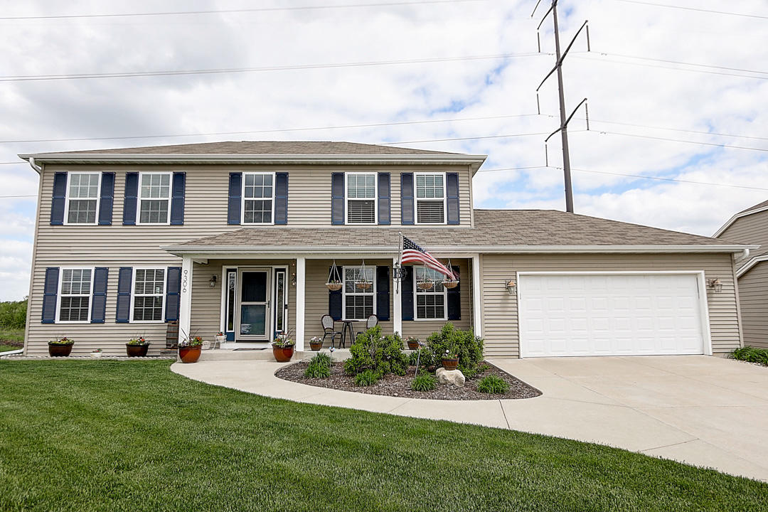 9306 Burbank Ave, Milwaukee, Wisconsin 53224, 4 Bedrooms Bedrooms, ,2 BathroomsBathrooms,Single-Family,For Sale,Burbank Ave,1691329