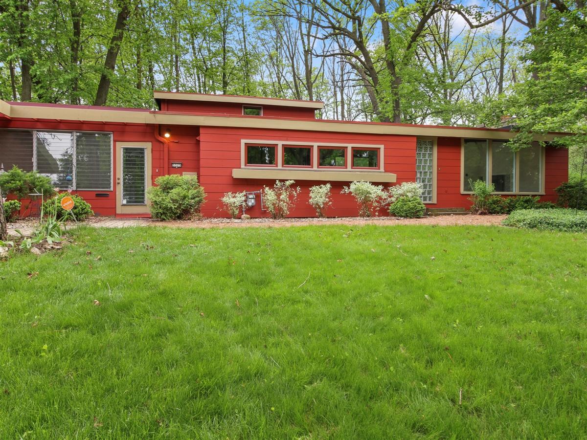 3325 Poe St, Milwaukee, Wisconsin 53215, 2 Bedrooms Bedrooms, ,2 BathroomsBathrooms,Single-Family,For Sale,Poe St,1691366