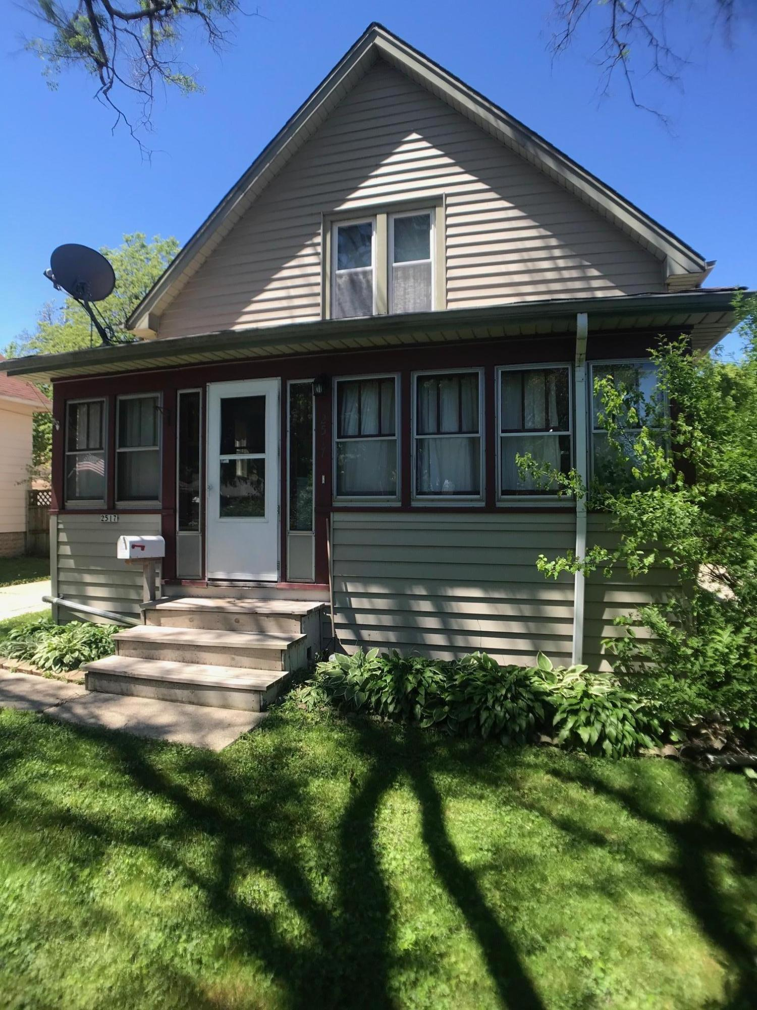 2517 69th St, Milwaukee, Wisconsin 53219, 3 Bedrooms Bedrooms, ,2 BathroomsBathrooms,Single-Family,For Sale,69th St,1691381
